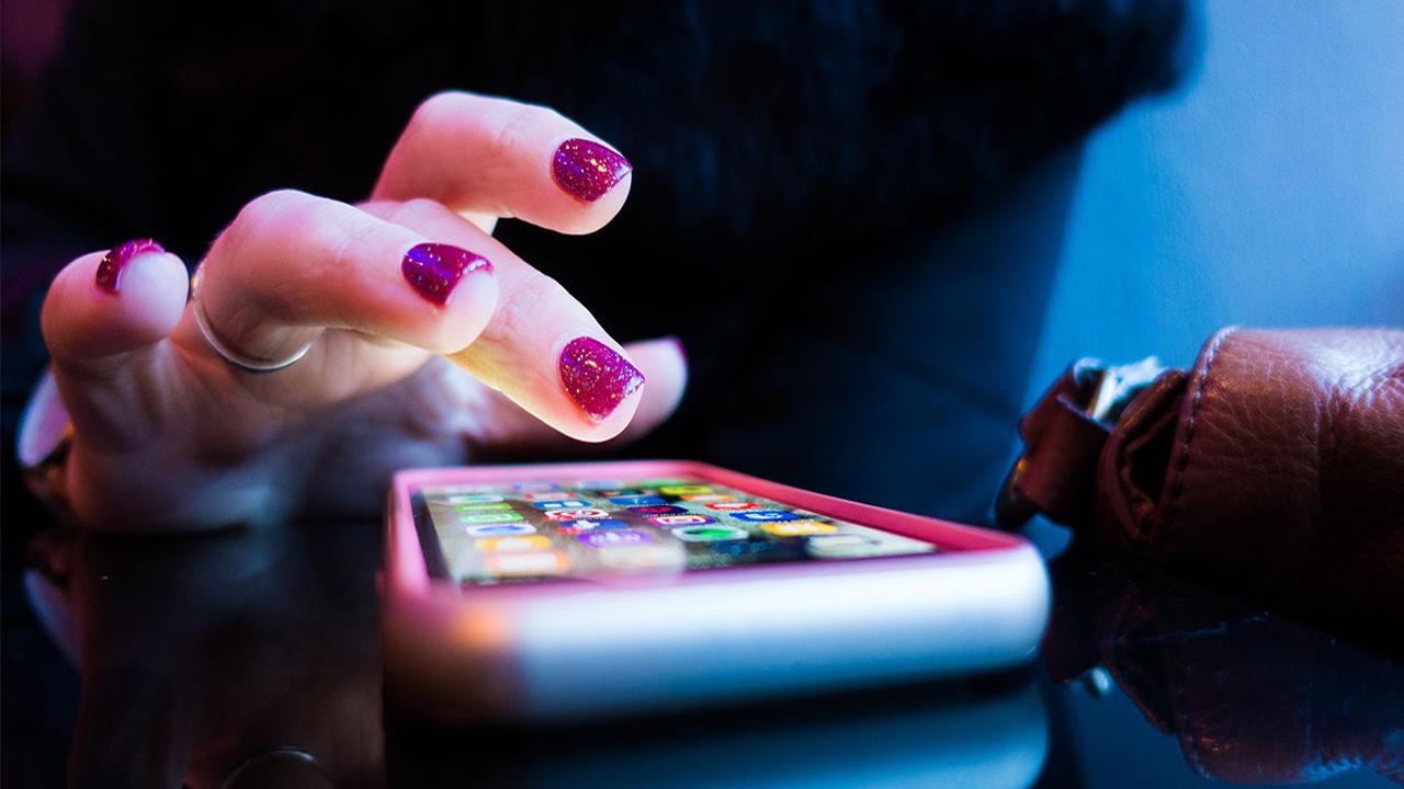 اسمارٹ فون سے 34 خطرناک ایپس فوری ڈیلیٹ کریں